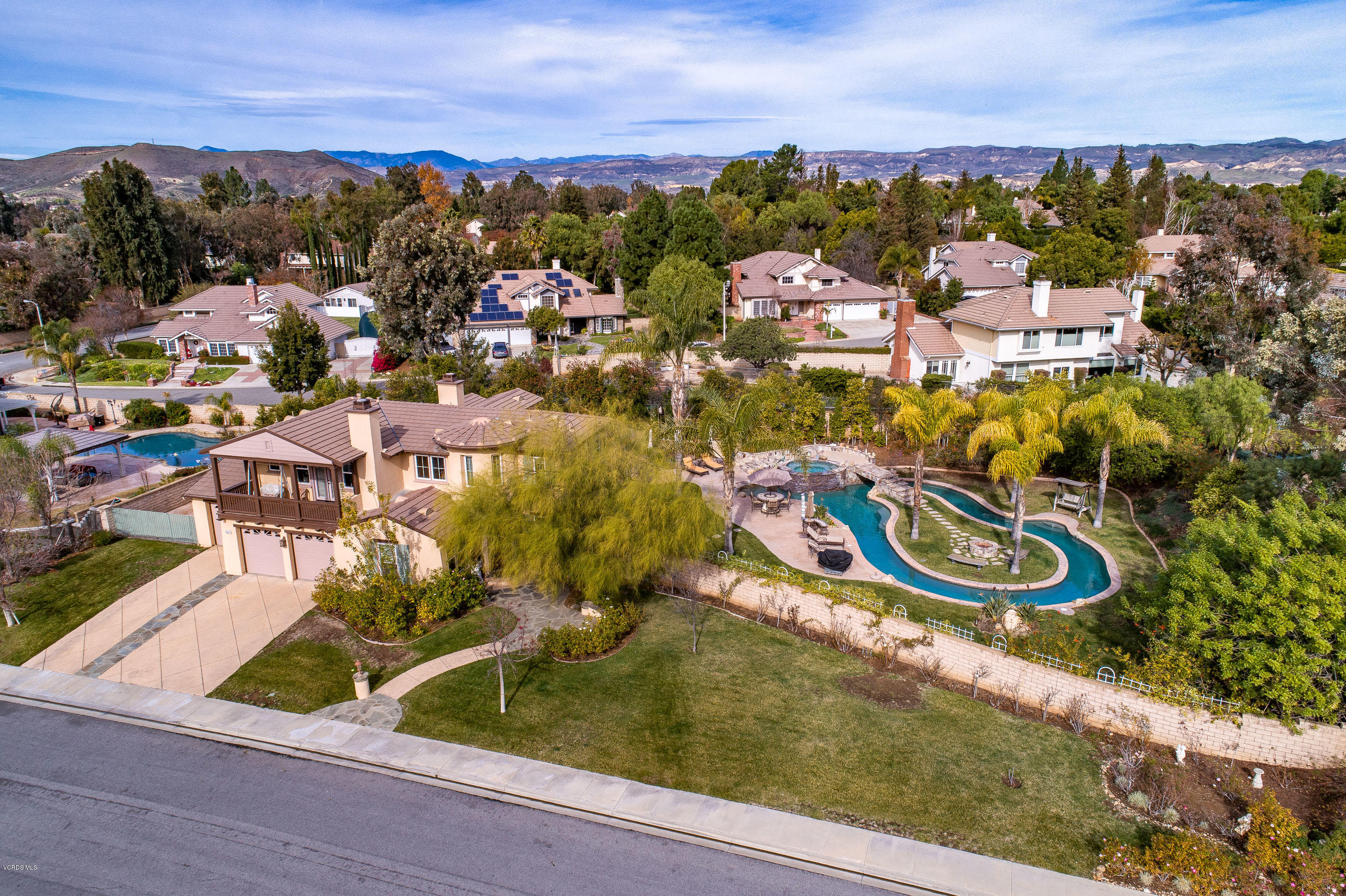 551 Running Creek Court, Simi Valley, CA 93065