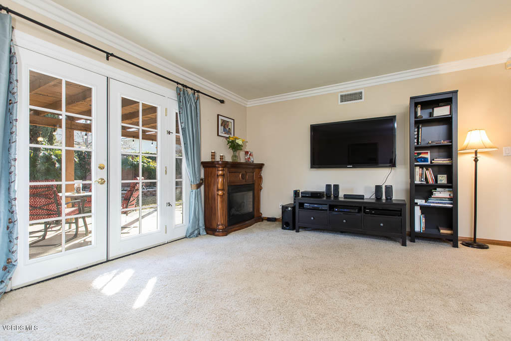 2552 Loretta Circle, Simi Valley, CA 93065