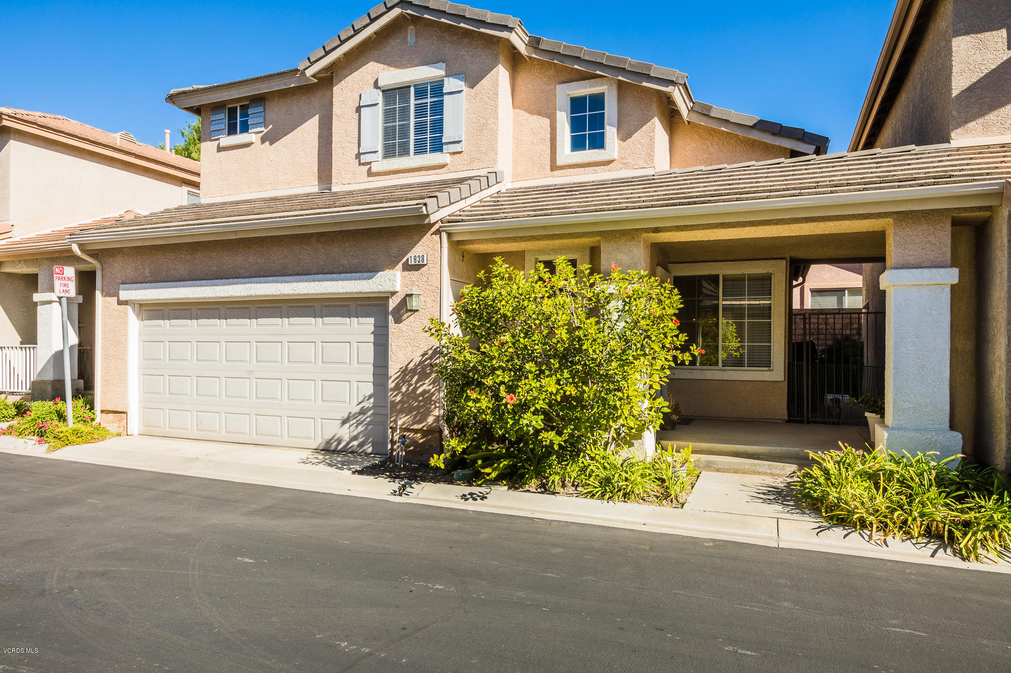 1938 Candle Pine Lane, Simi Valley, CA 93065