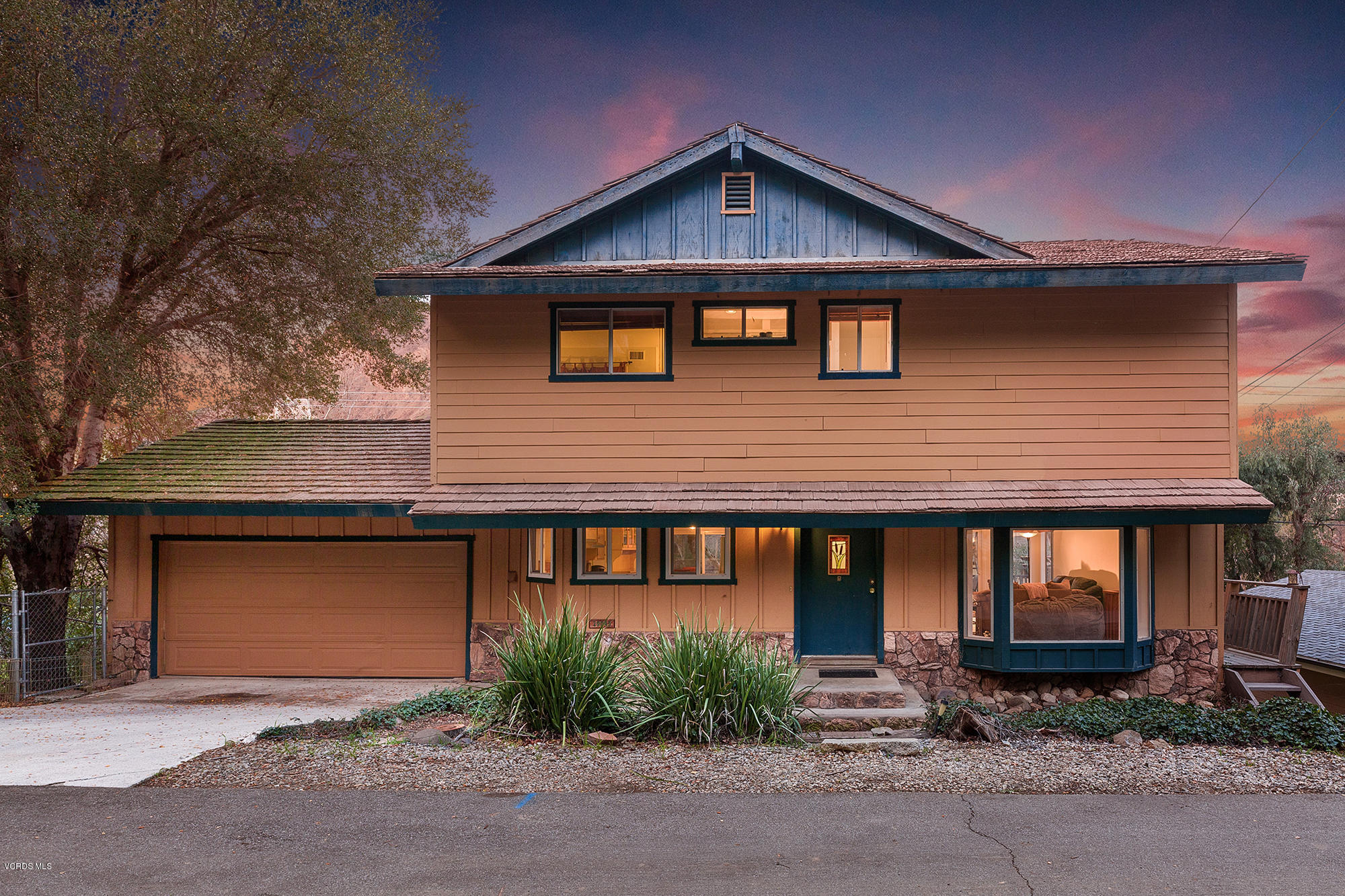 29043 Lake Drive, Agoura Hills, CA 91301