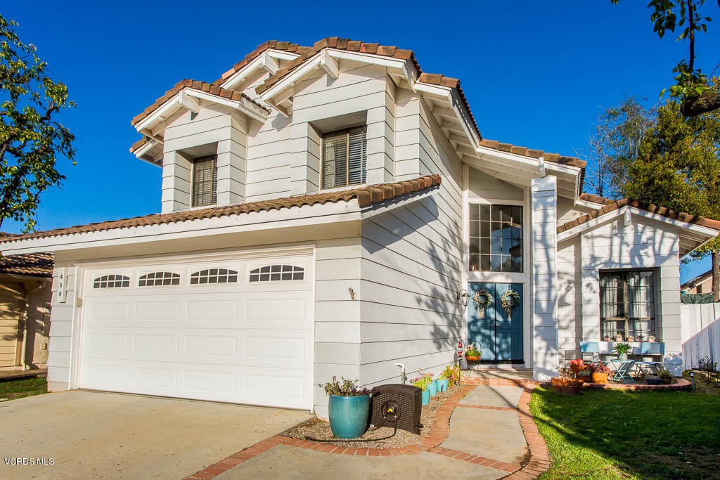 430 Lake Breeze Place, Simi Valley, CA 93065