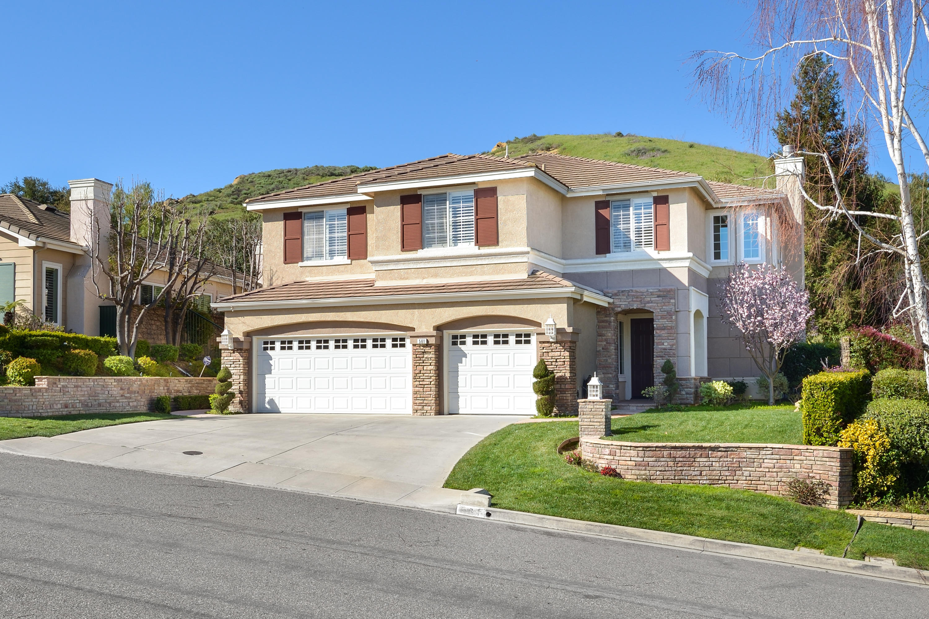 561 Granite Hills Street, Simi Valley, CA 93065