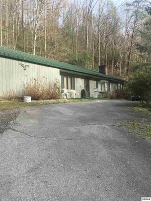 716 Hidden Valley Rd, Gatlinburg, TN 37738