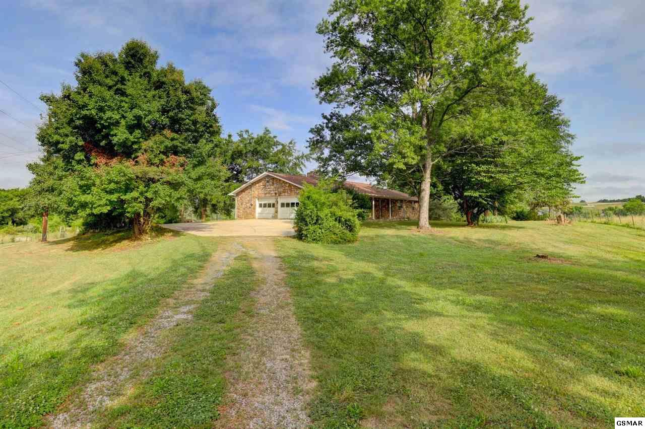 2861 Boyds Creek Hwy, Sevierville, TN 37876