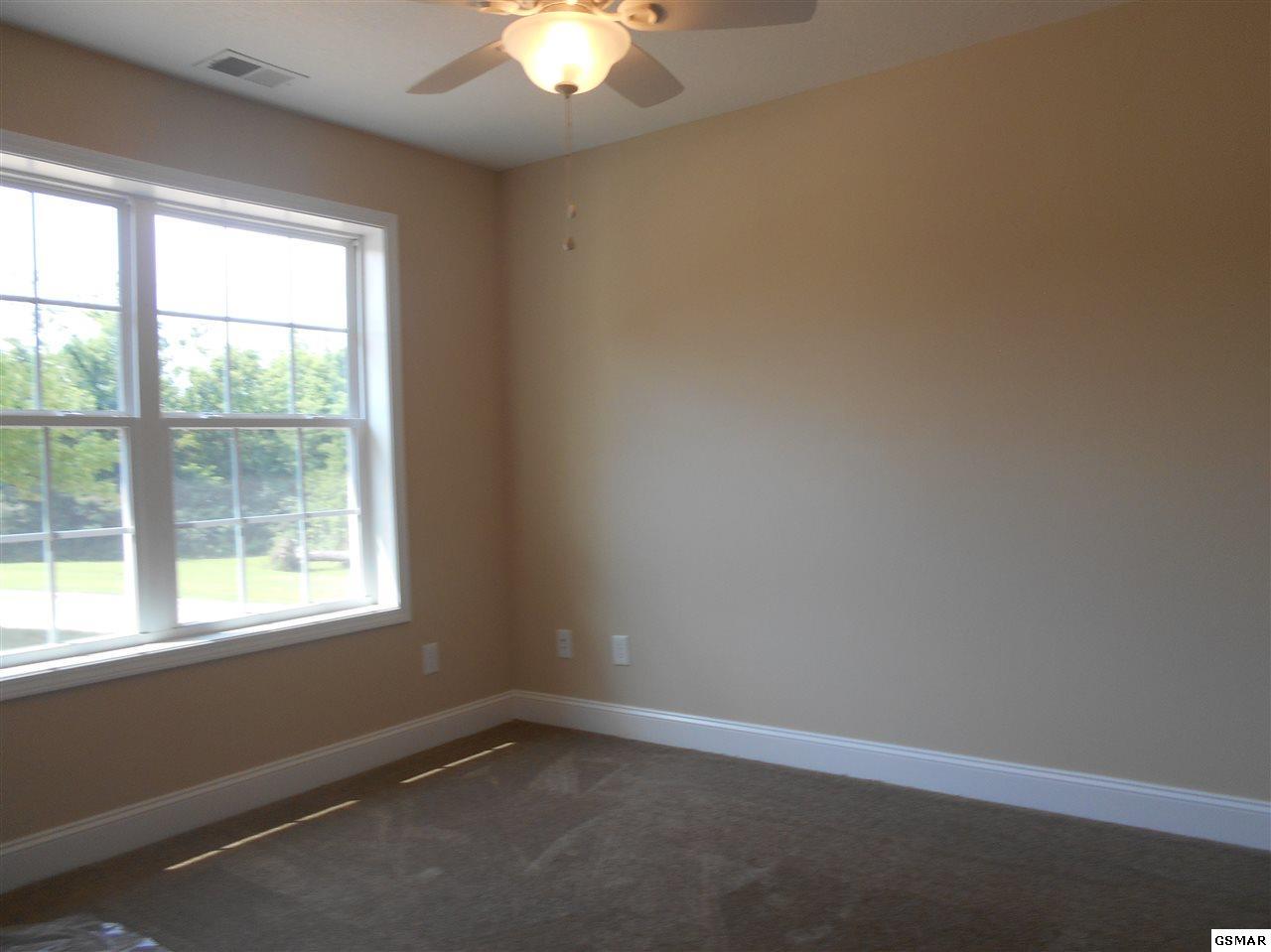 1001 Briar Ridge Lane, Strawberry Plains, TN 37871