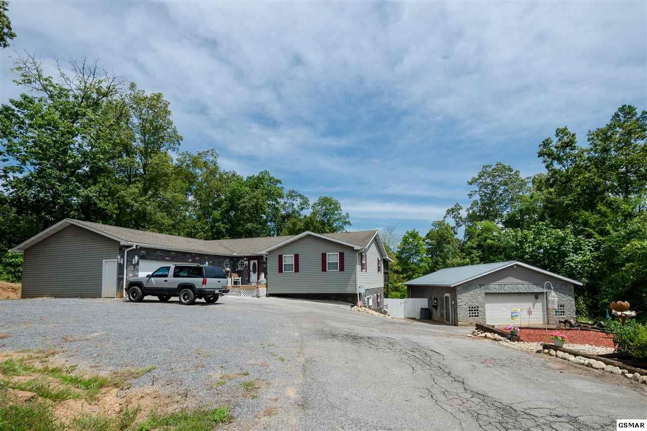 270 Amolee Ln, Sevierville, TN 37876