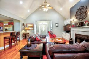 272 Paradise Lane, Jacksboro, TN 37757
