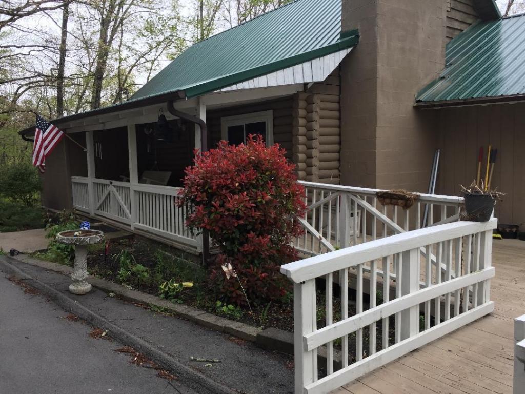 569 Hiwassee View Drive, Jacksboro, TN 37757