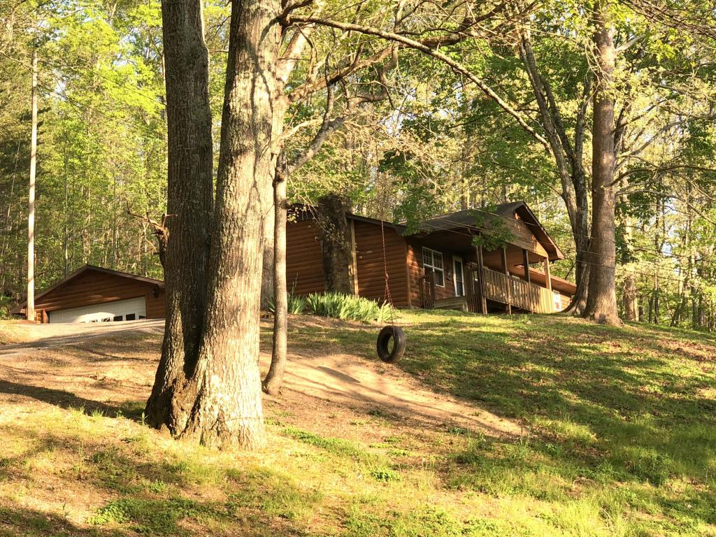 1055 Knoxville Hollow Rd, Lafollette, TN 37766