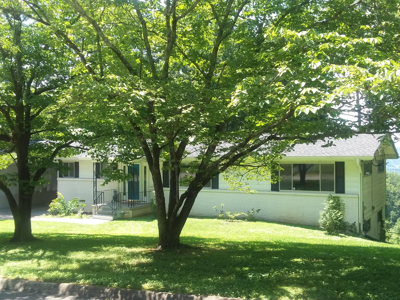 894 W Outer Drive, Oak Ridge, TN 37830
