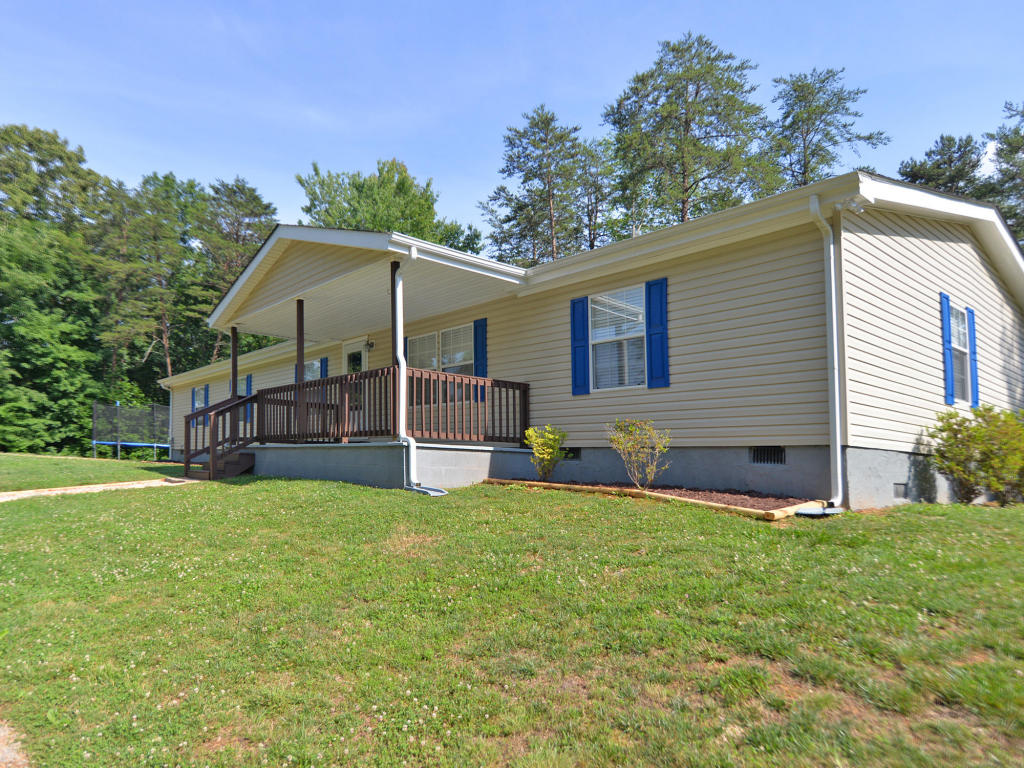 8430 Rolling Woods Way, Corryton, TN 37721