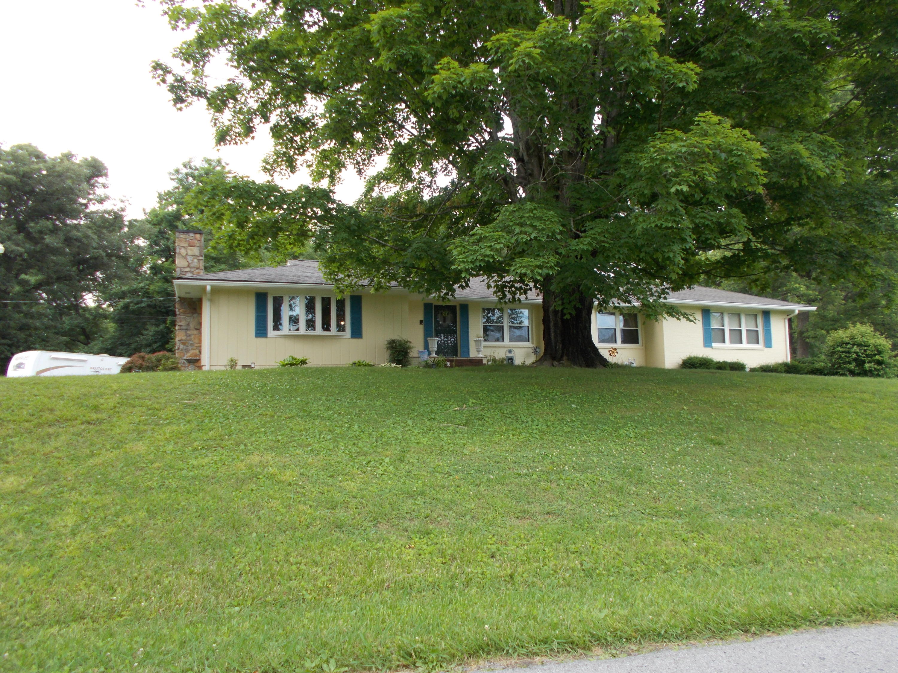 602 Cirencester Ave, Middlesboro, KY 40965
