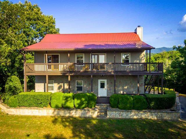 2570 Wildwood Rd, Dandridge, TN 37725
