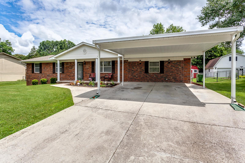 2637 Shropshire Blvd, Powell, TN 37849