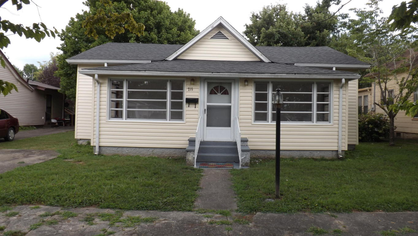 711 Gloucester Ave, Middlesboro, KY 40965