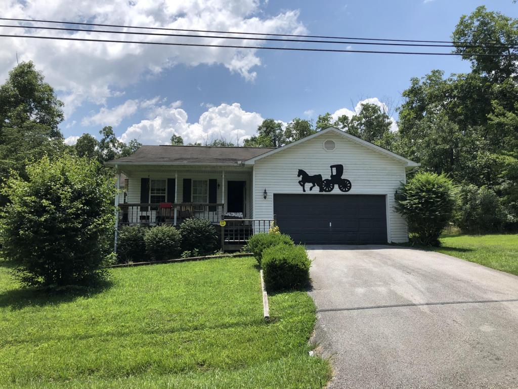 9060 Cherokee Tr, Crossville, TN 38572