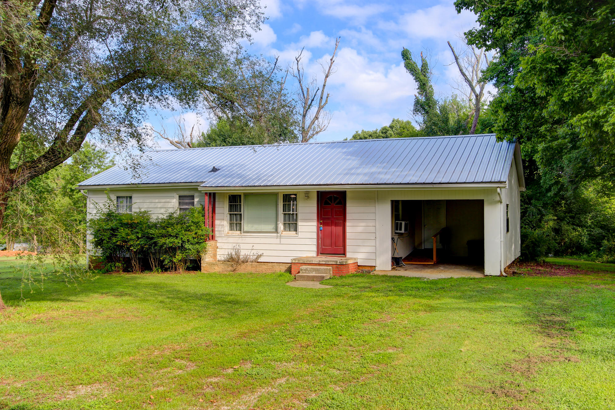 2835 Pleasant View Ave, Maryville, TN 37803