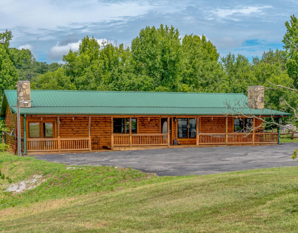 2834 Florence Drive, Pigeon Forge, TN 37863