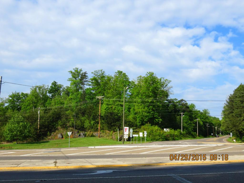 Hwy 25/70, Dandridge, TN 37725
