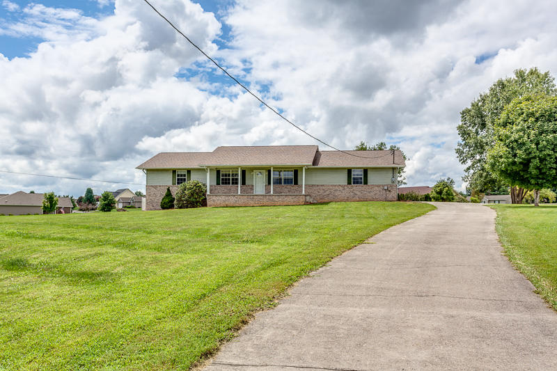 806 Carter St, Seymour, TN 37865