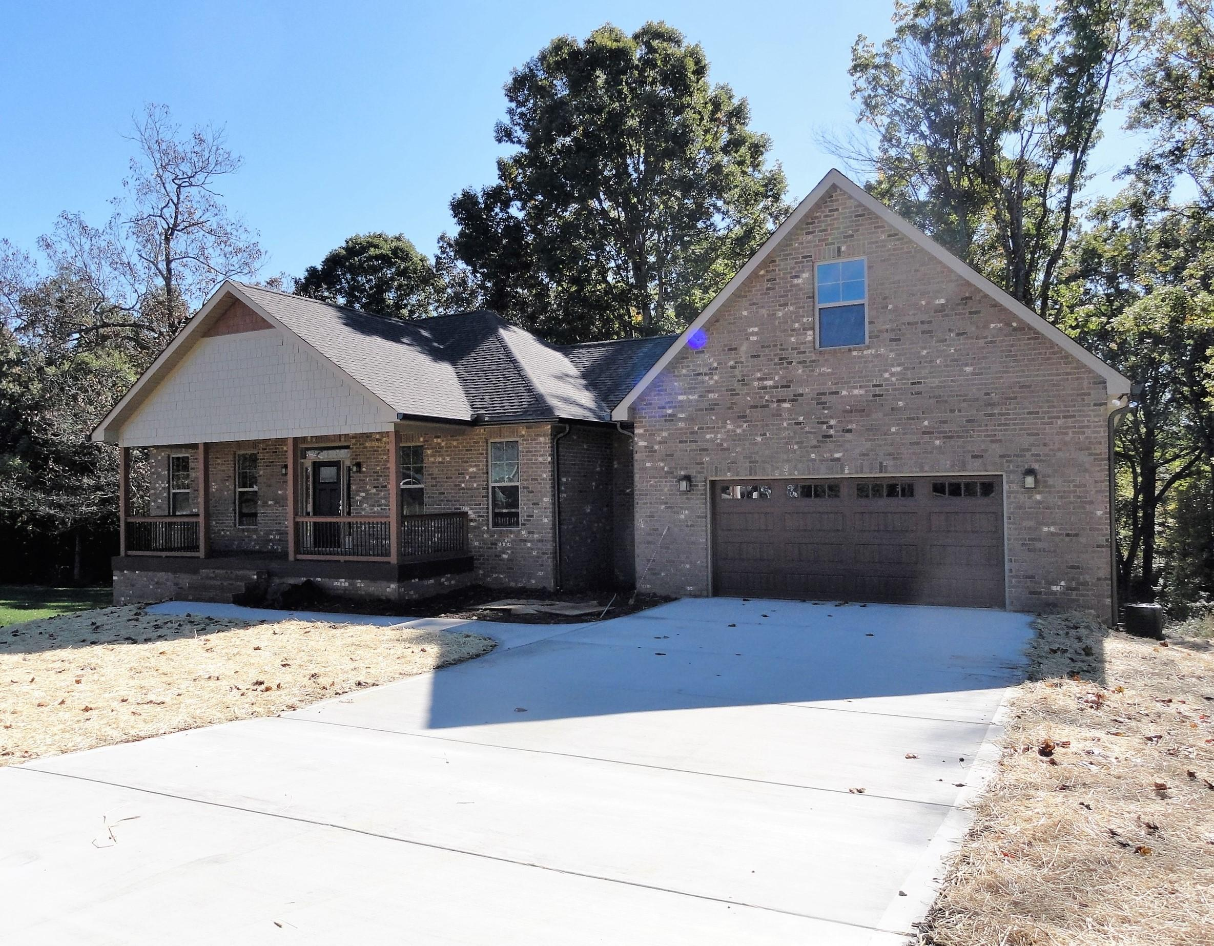 1035 Houston Springs Rd, Greenback, TN 37742