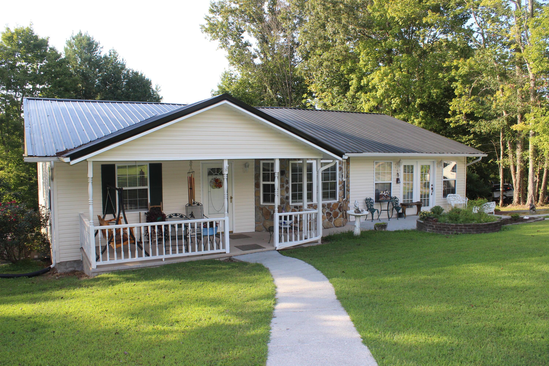 334 Shannons Rd, Jacksboro, TN 37757