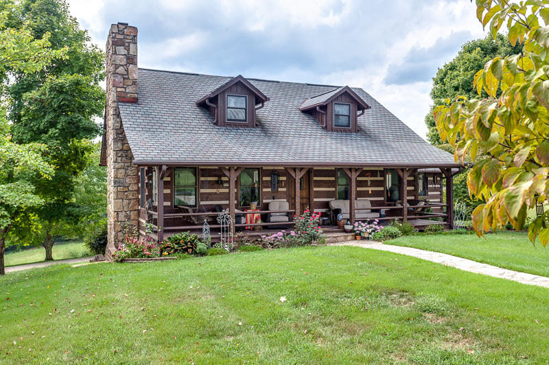 1321 Gaby Hills Drive, Dandridge, TN 37725