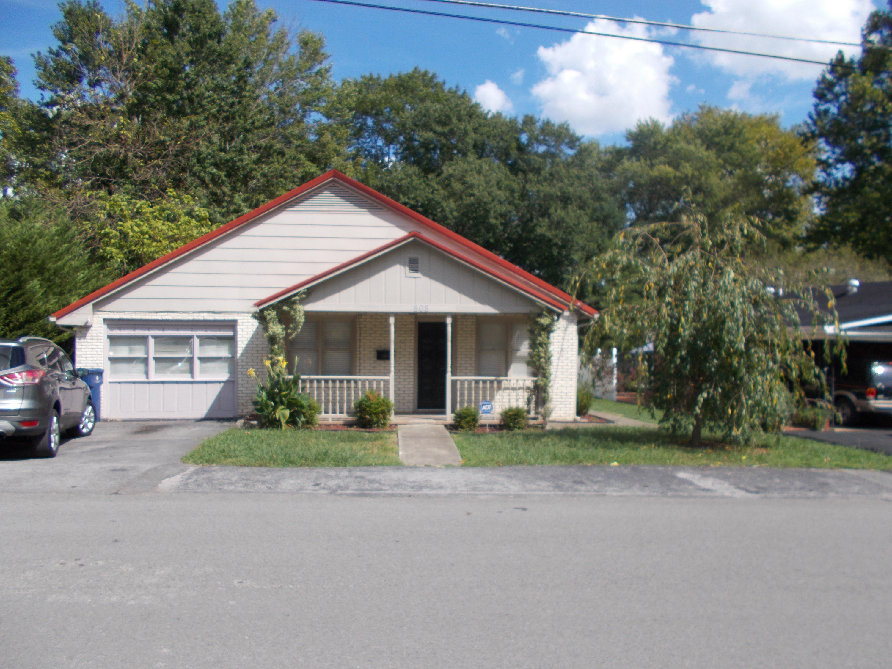 808 N 28th St, Middlesboro, KY 40965