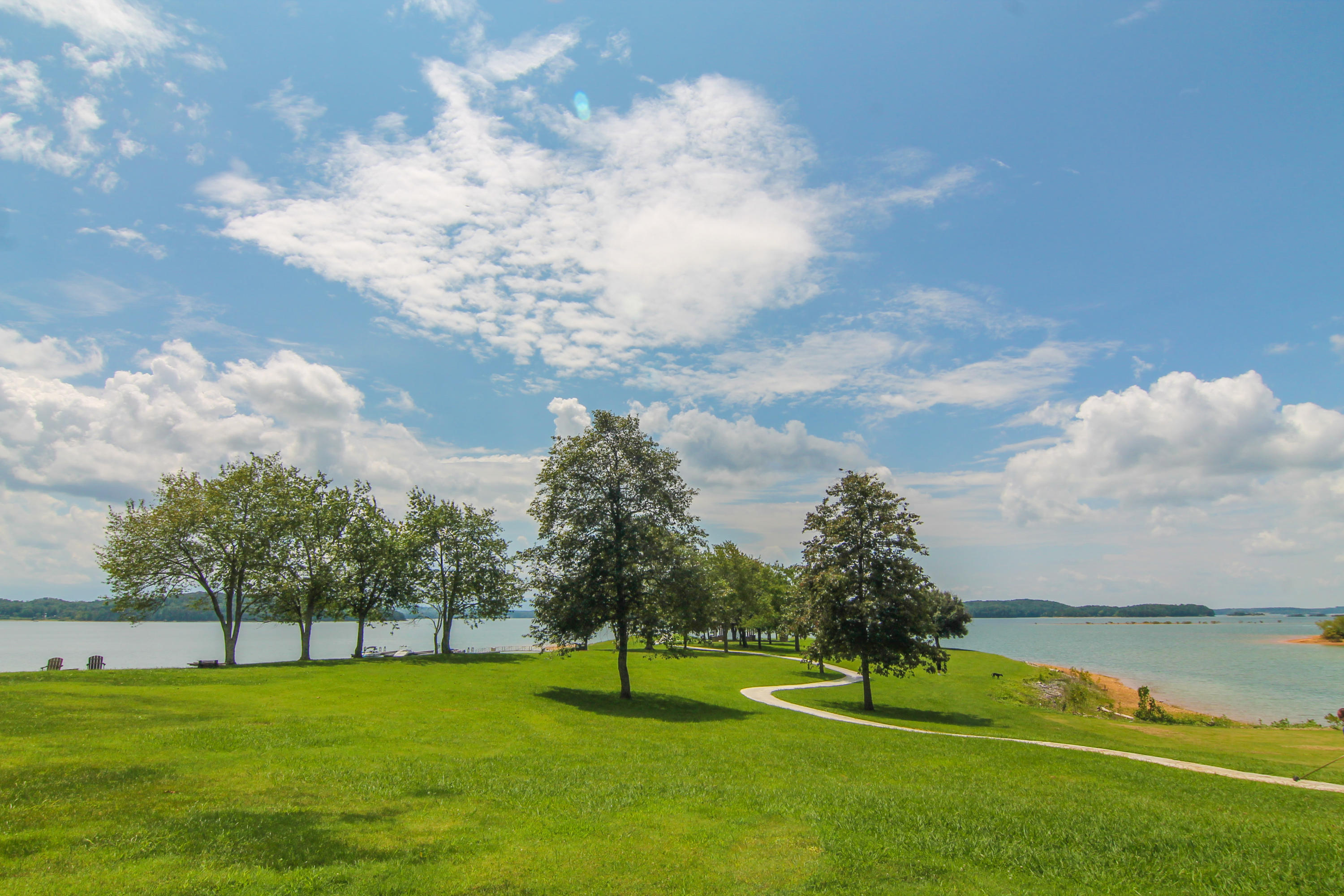 725 Waters Edge, Dandridge, TN 37725