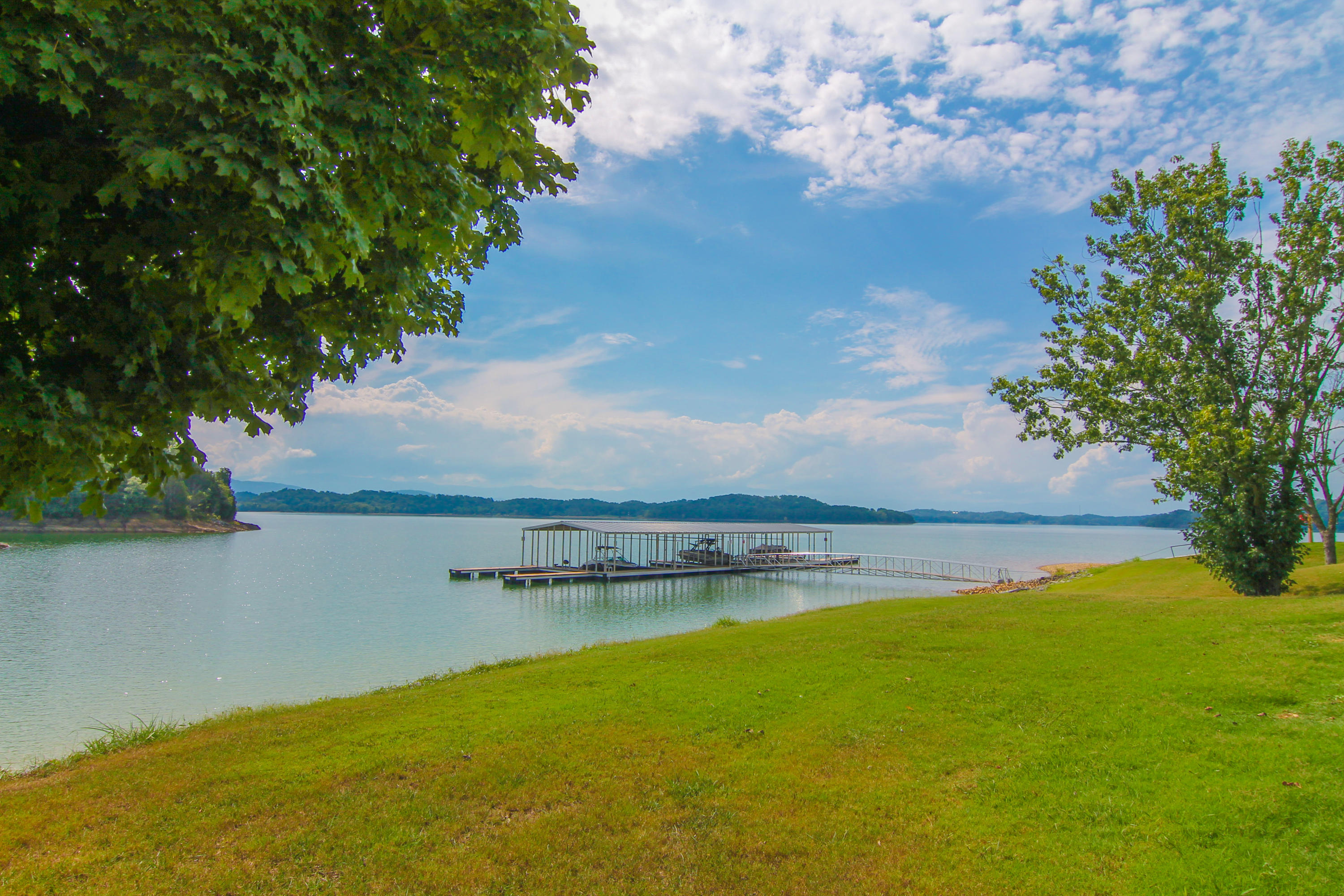 721 Waters Edge, Dandridge, TN 37725