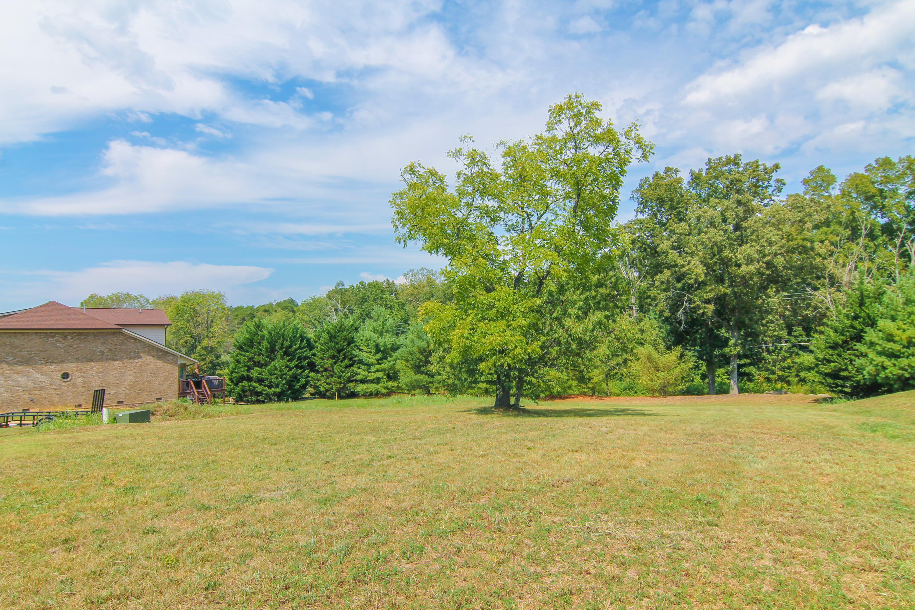 717 Waters Edge, Dandridge, TN 37725