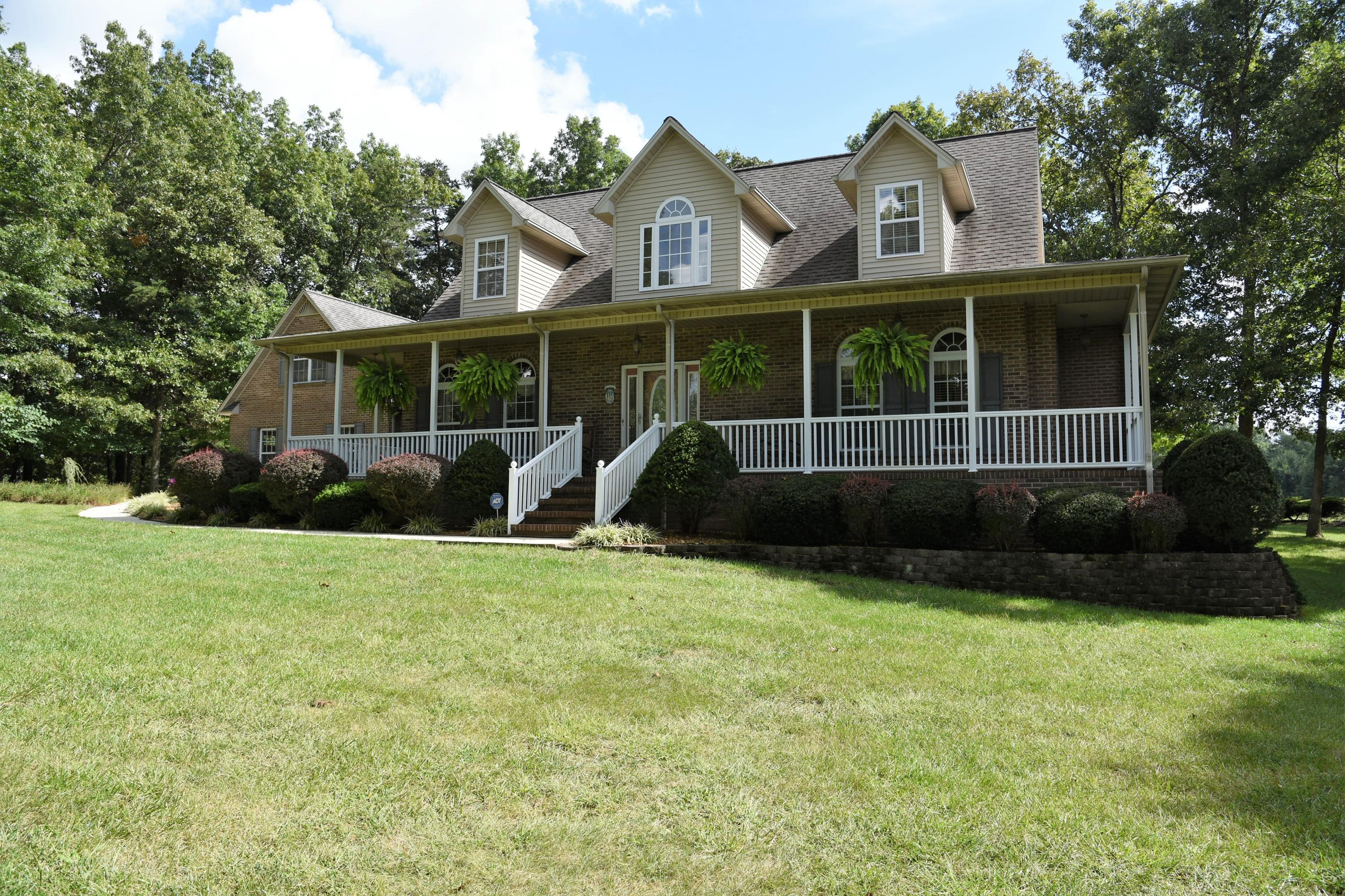 1215 Golf Club Lane, Crossville, TN 38571