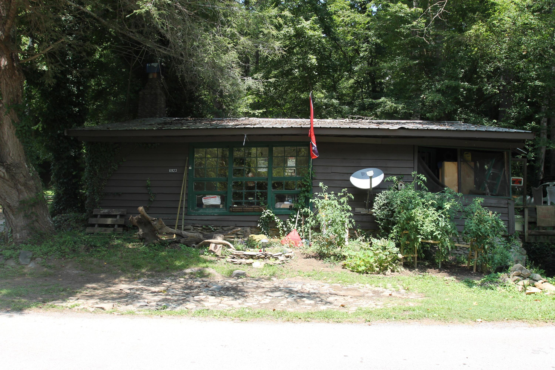 6923 Old Walland Hwy, Townsend, TN 37882