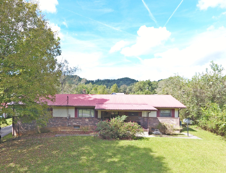 864 E Wolf Valley Rd, Heiskell, TN 37754