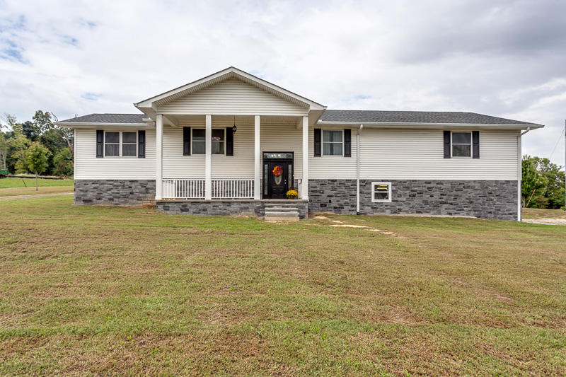 1117 Zirkle Rd, Dandridge, TN 37725
