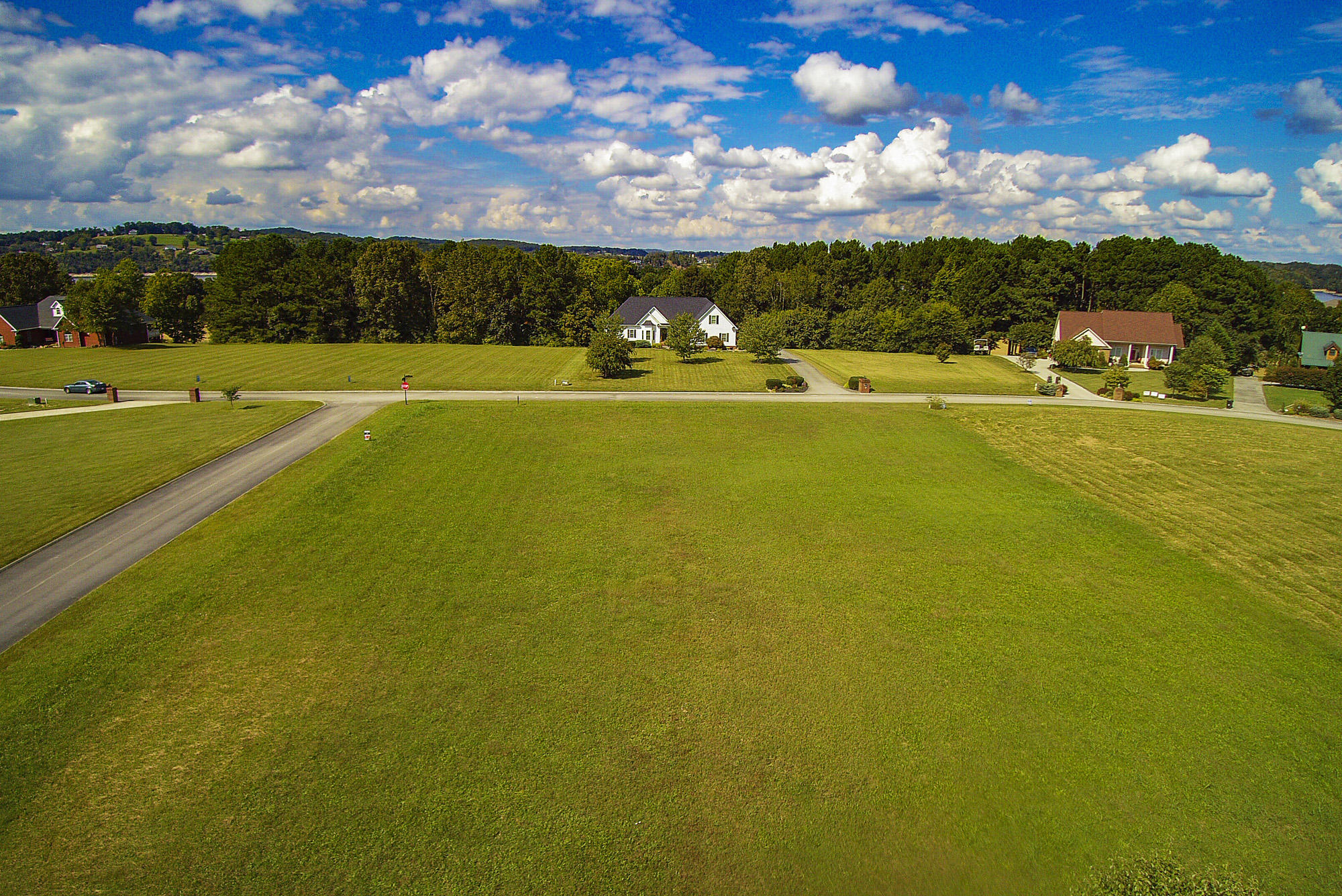 Big Oak Drive, Dandridge, TN 37725