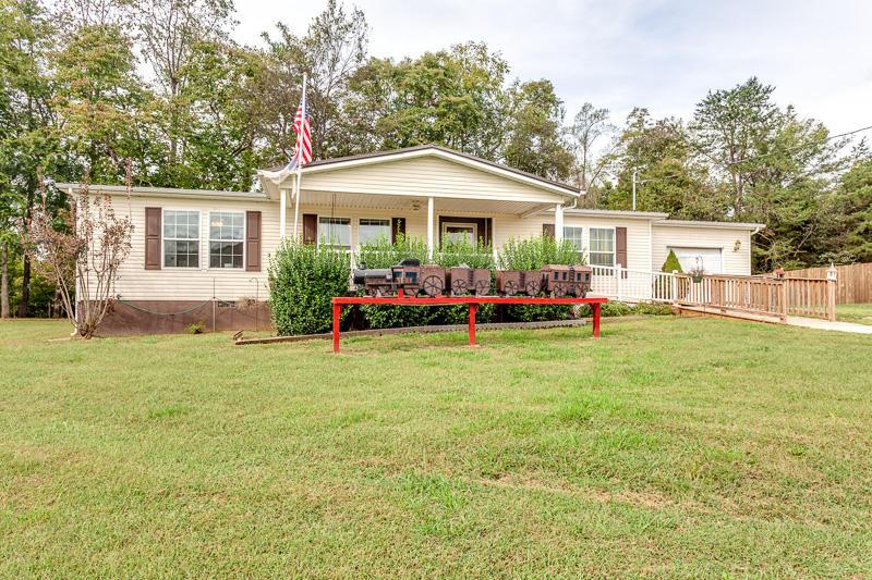 1012 Ashley Meadows Drive, Strawberry Plains, TN 37871