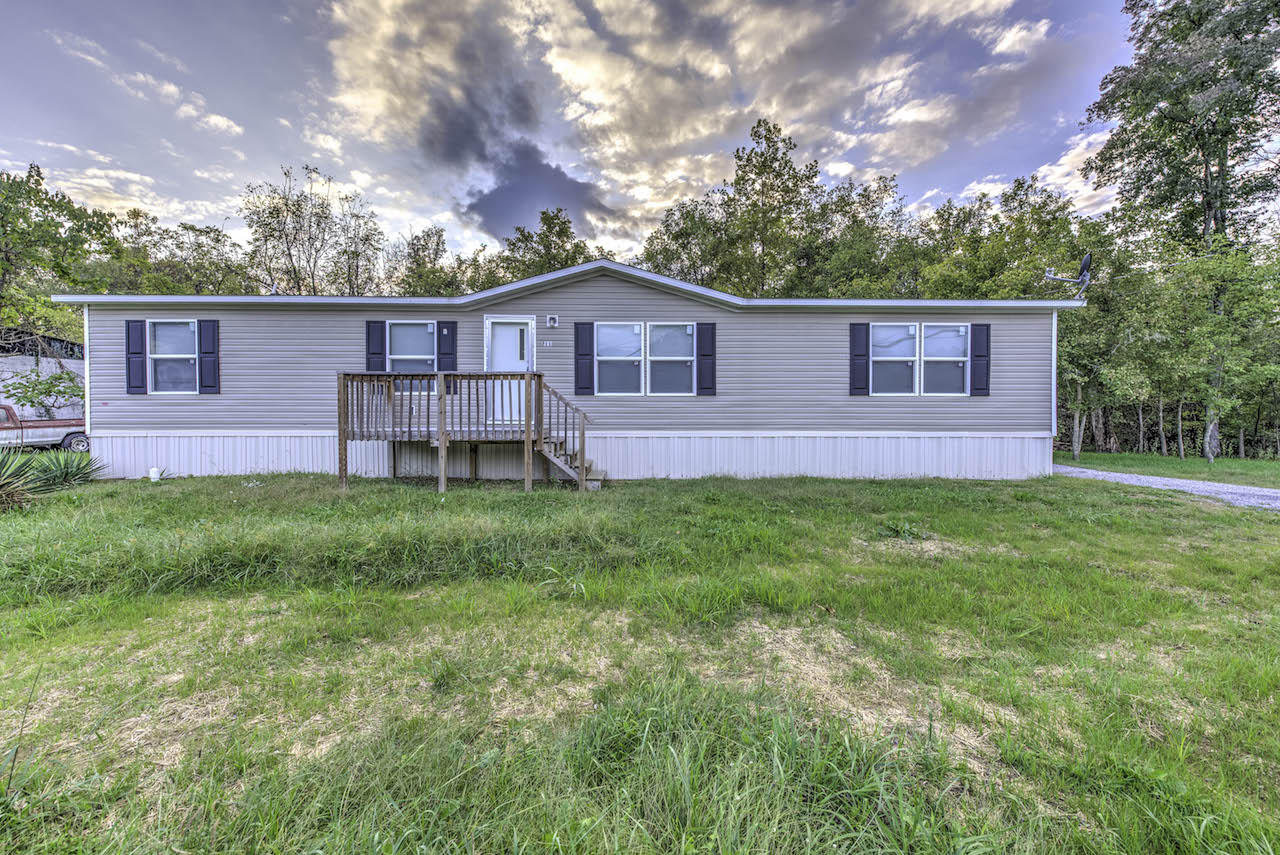 211 S Austin Springs Rd, Johnson City, TN 37601