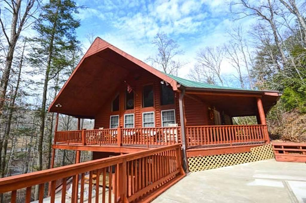 4040 Hickory Hollow Way, Sevierville, TN 37862