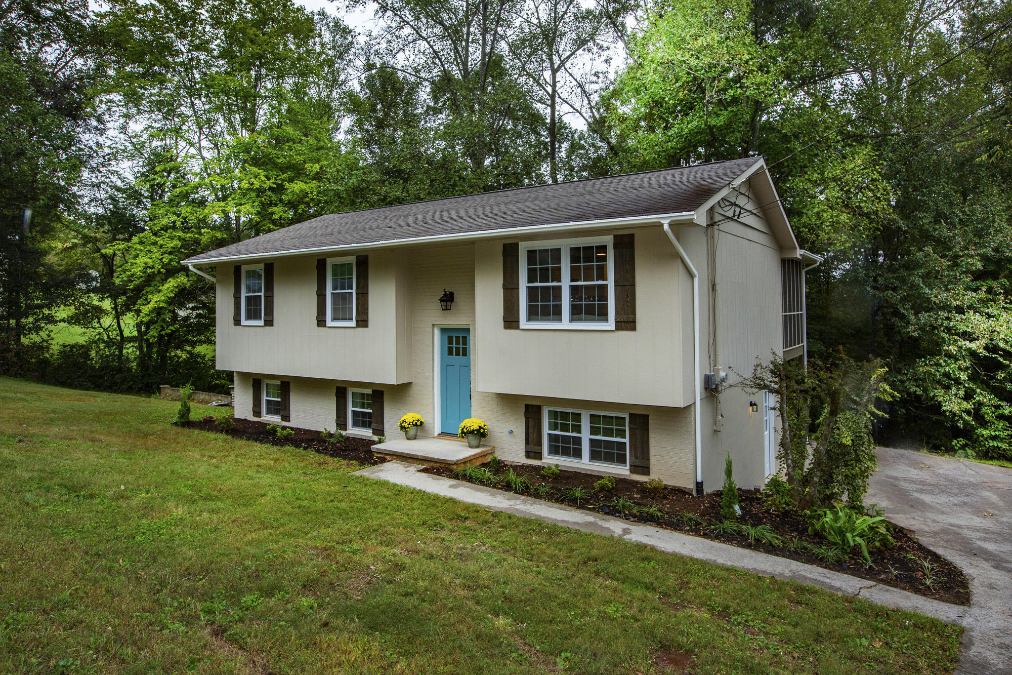 1012 N Old Grey Ridge Rd, Maryville, TN 37801