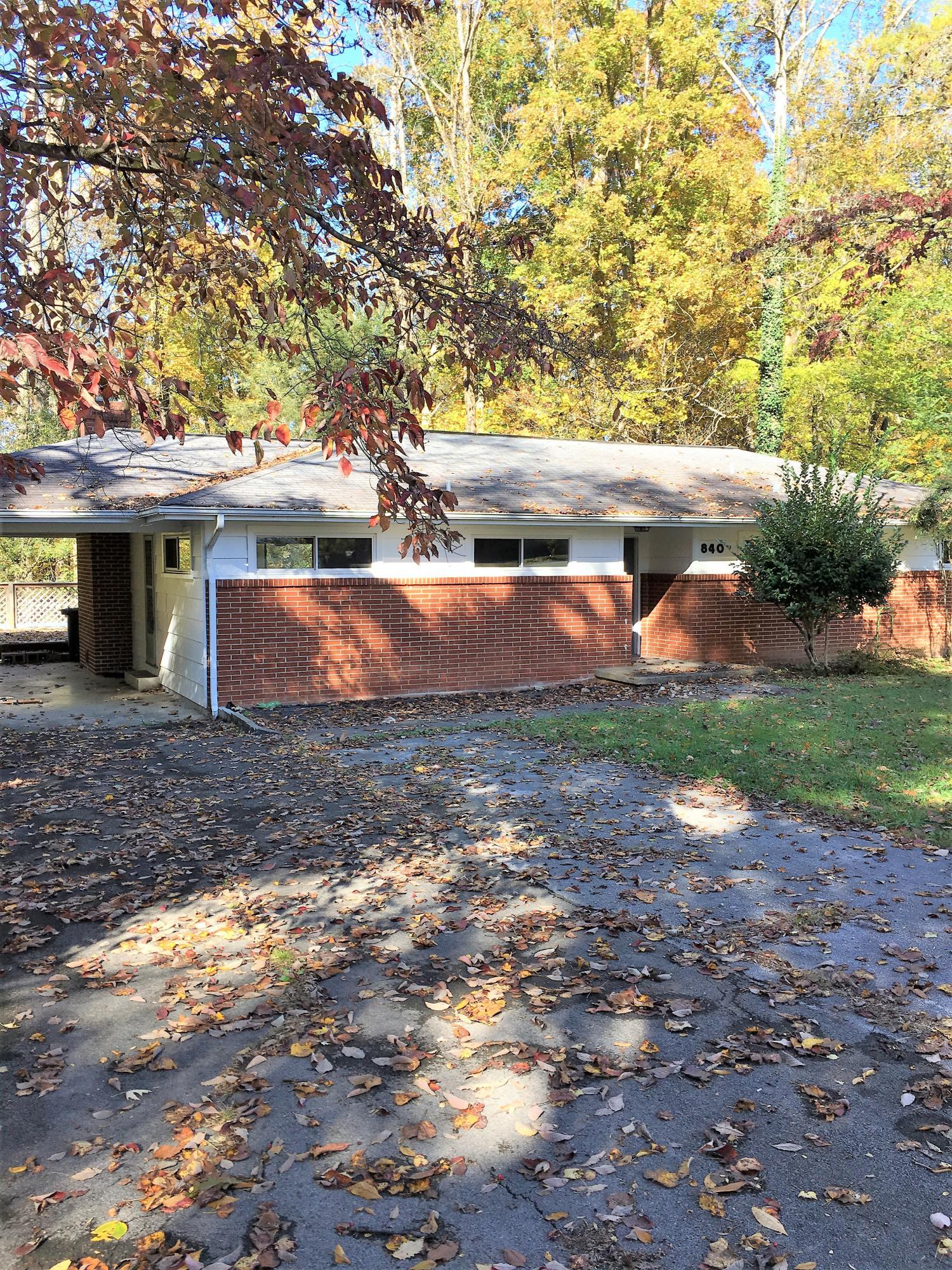 840 W Outer Drive, Oak Ridge, TN 37830