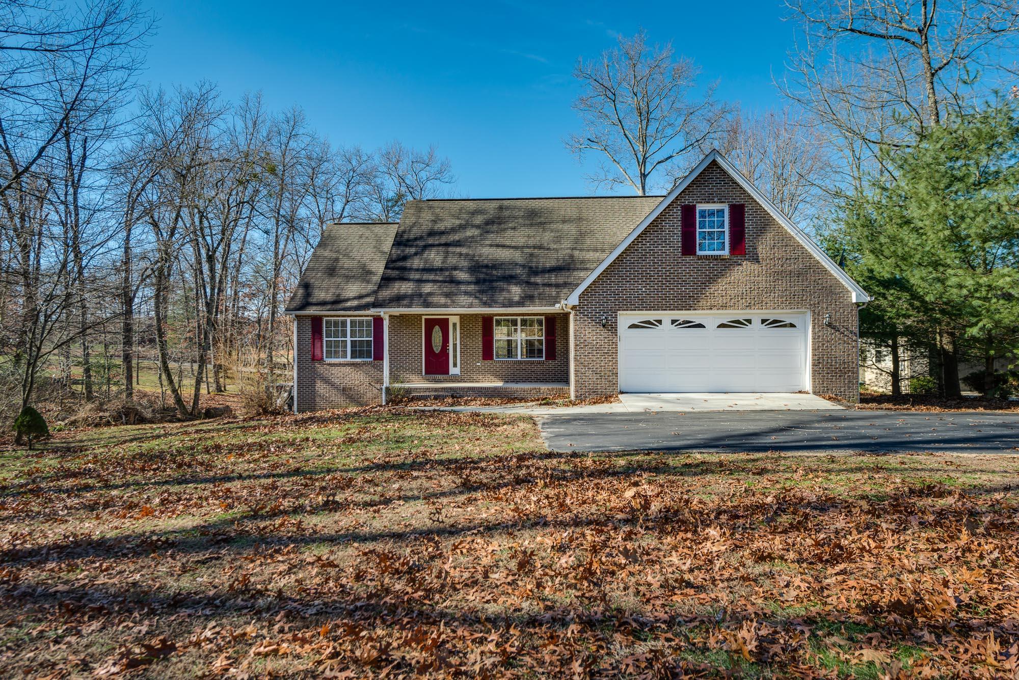 539 E Deer Creek Drive, Crossville, TN 38571