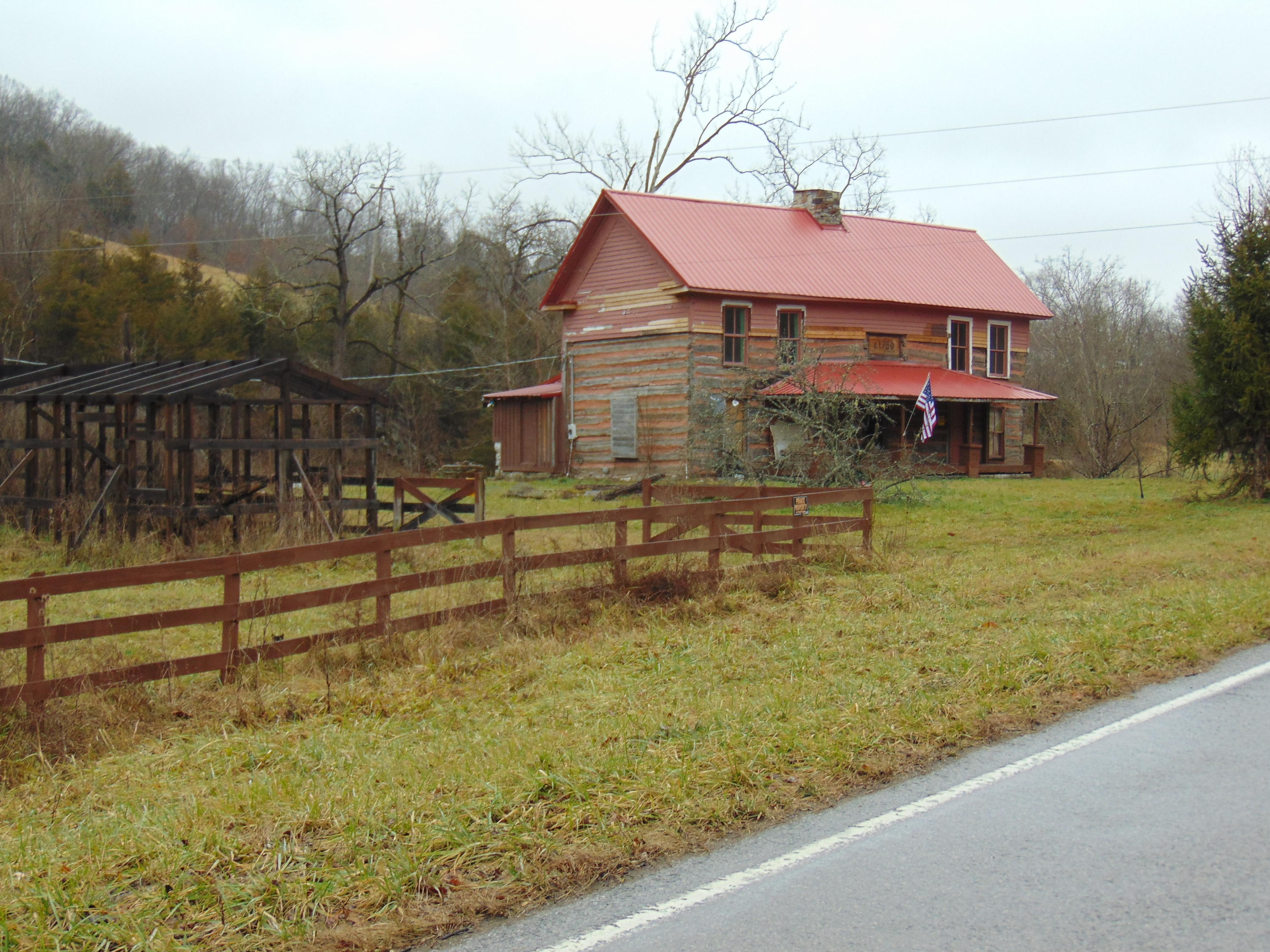 8826 Mulberry Gap Rd., Tazewell, TN 37879