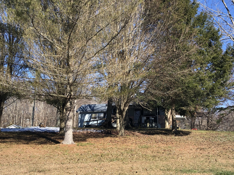 311 Mt Paran Rd, Jacksboro, TN 37757