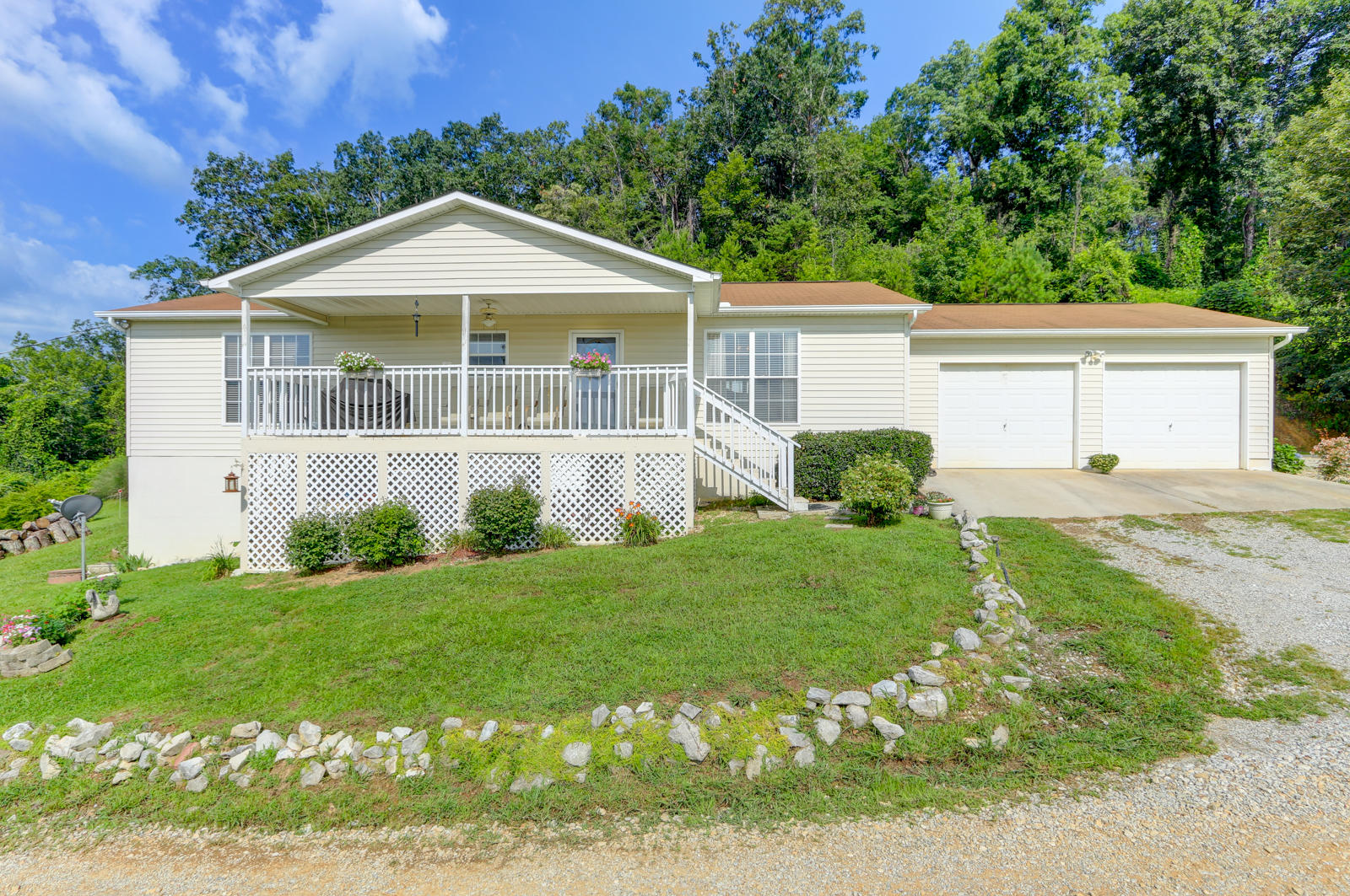 470 Ashe Cabin Hollow Rd, Harriman, TN 37748