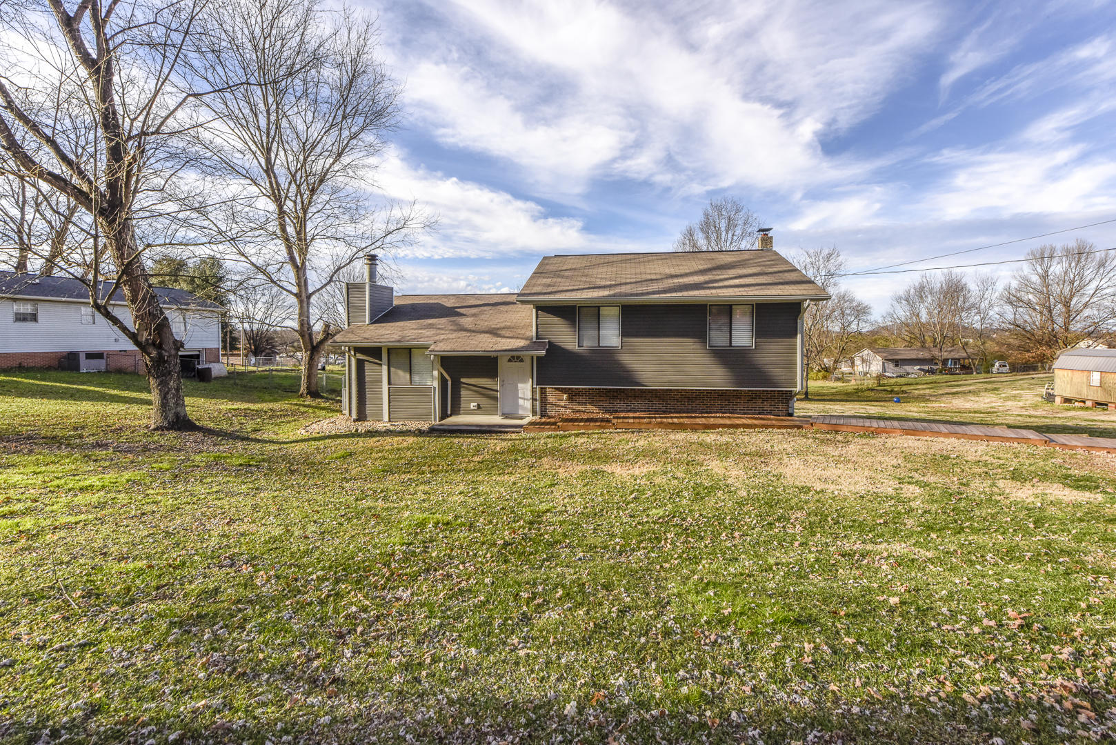 3440 Russellwood Drive, Rockford, TN 37853