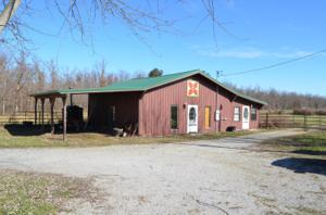 1736 Dripping Springs Rd, Monterey, TN 38574