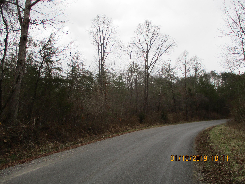 682 Clifty Rd, Crossville, TN 38572