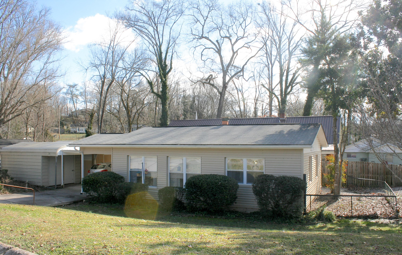 126 Parsons Rd, Oak Ridge, TN 37830