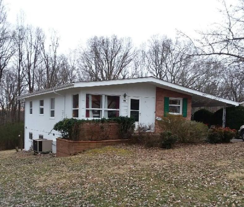 111 Wayside Rd, Oak Ridge, TN 37830